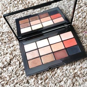 Jouer essential matte and shimmer eyeshadow palett